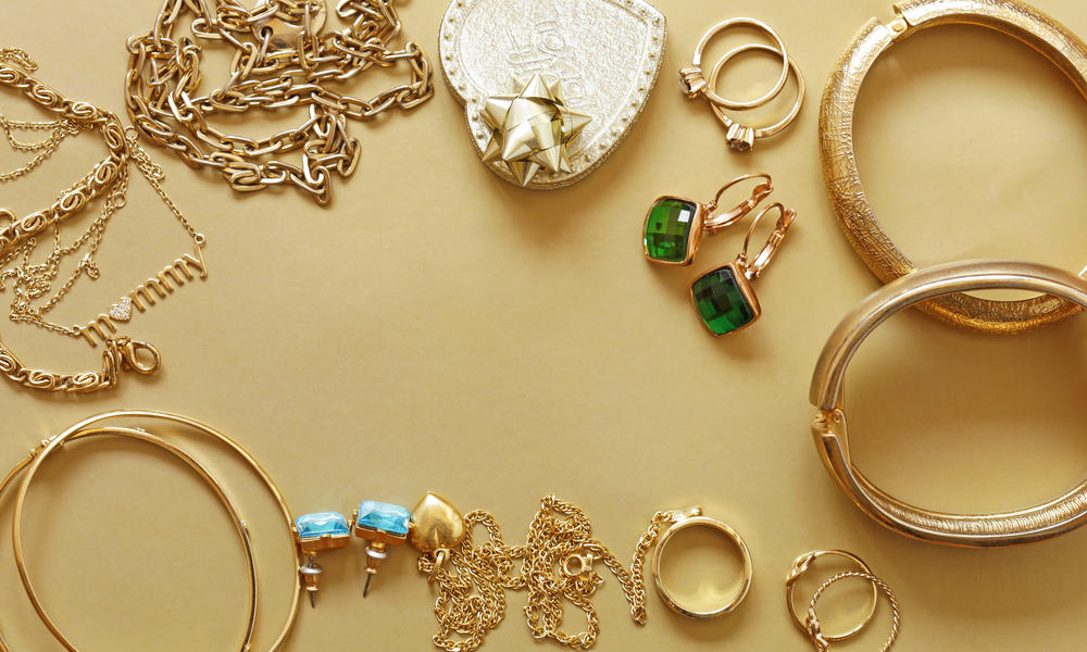 27 Homemade Gold Jewelry Ideas You Can DIY Easily