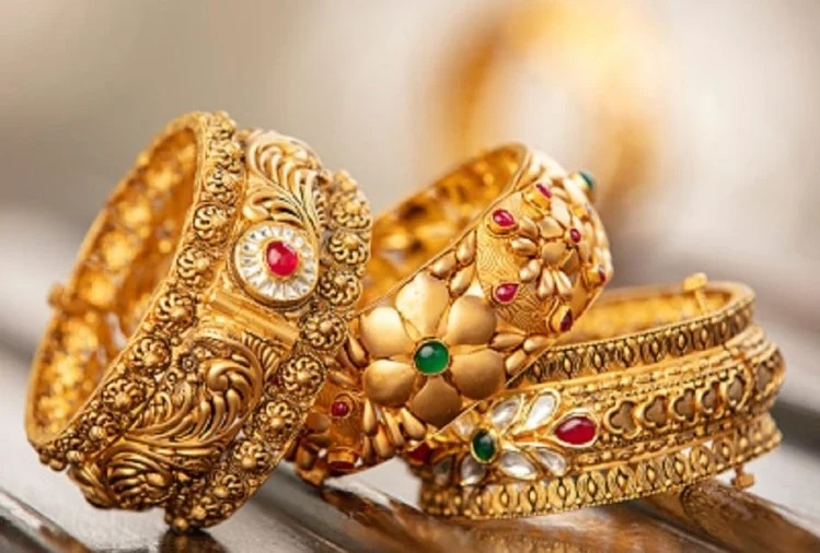Gold-Silver : Yellow metal price fell by Rs 46903 per 10 grams, silver fell by Rs 762 | NewsCrab