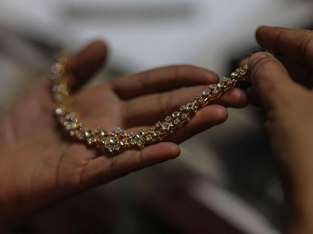 Gold price today at Rs 46,710 per 10 gm, silver trending at Rs 69,100 a kg | Business Standard News